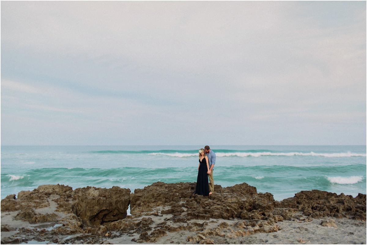 Jupiter-Beach-engagement-photography_0011